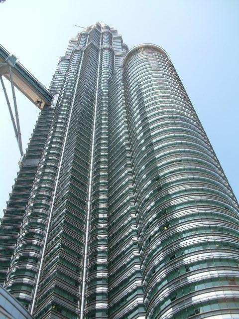 Petronas, bottom up>>>