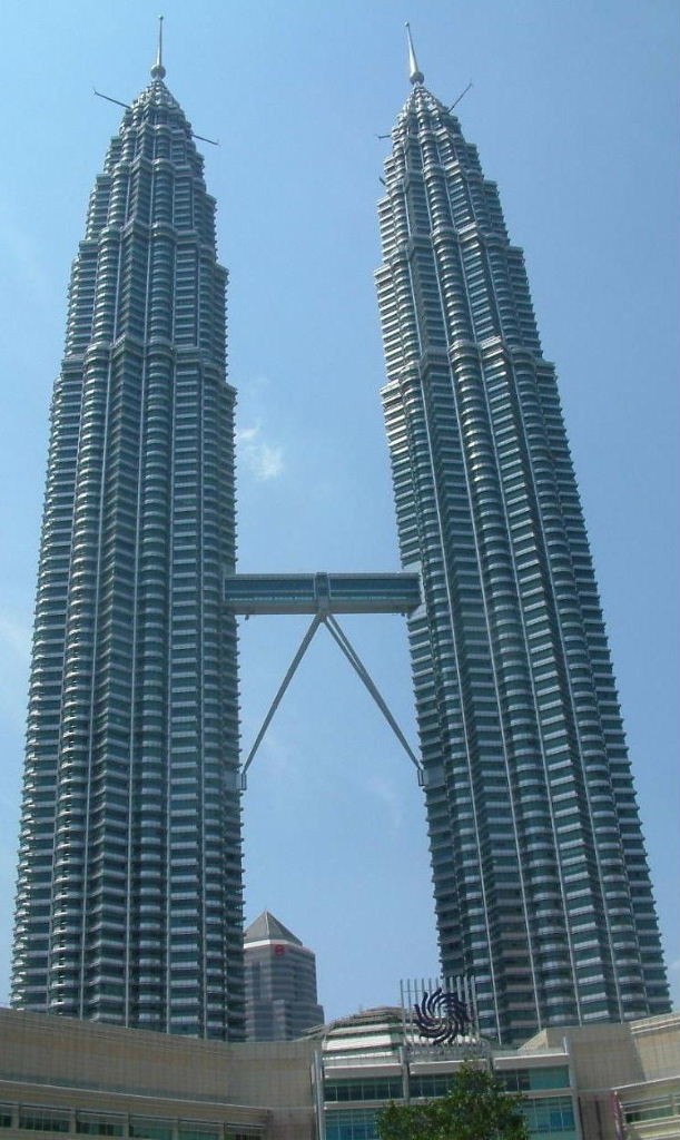 Petronas, Full Frontal>>>
