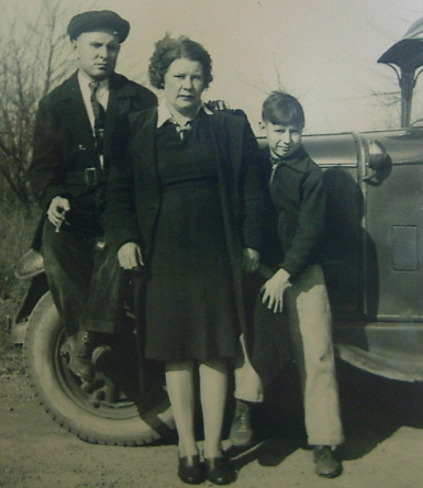 1939?...with Mom and Dad>>>