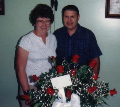 May 1987, 25 years! Daddy surprises Mommy with 12/25 of a rose for every wonderful year together>>>